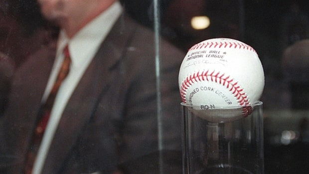 mj-618_348_mark-mcgwires-70th-home-run-baseball-the-most-expensive-sports-memorabilia