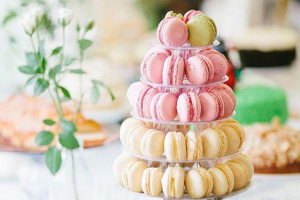 macaron-cake-1500-58adae123df78c345bb453c3