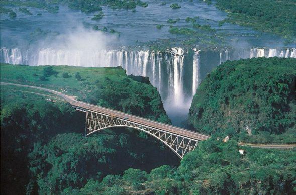 tu-cataratas-victoria-zimbabwe-02-1024x675