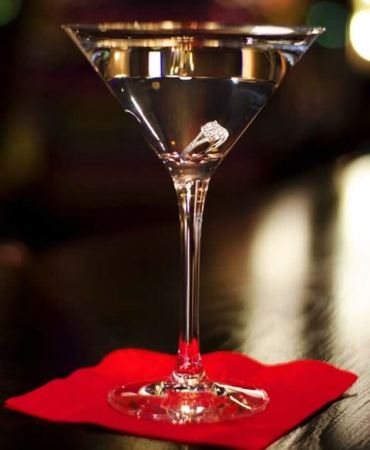 8-Diamond-Is-Forever-Martini-Price-10.000-Taste-the-Most-Expensive-Cocktails-in-the-World-via-abc7.com_