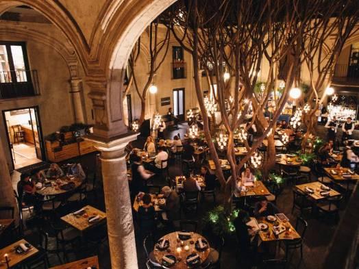 Downtown_Restaurant.001.jpg