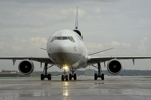 640px-_Lufthansa_Cargo__MD-11f_D-AICM_(5992105877)